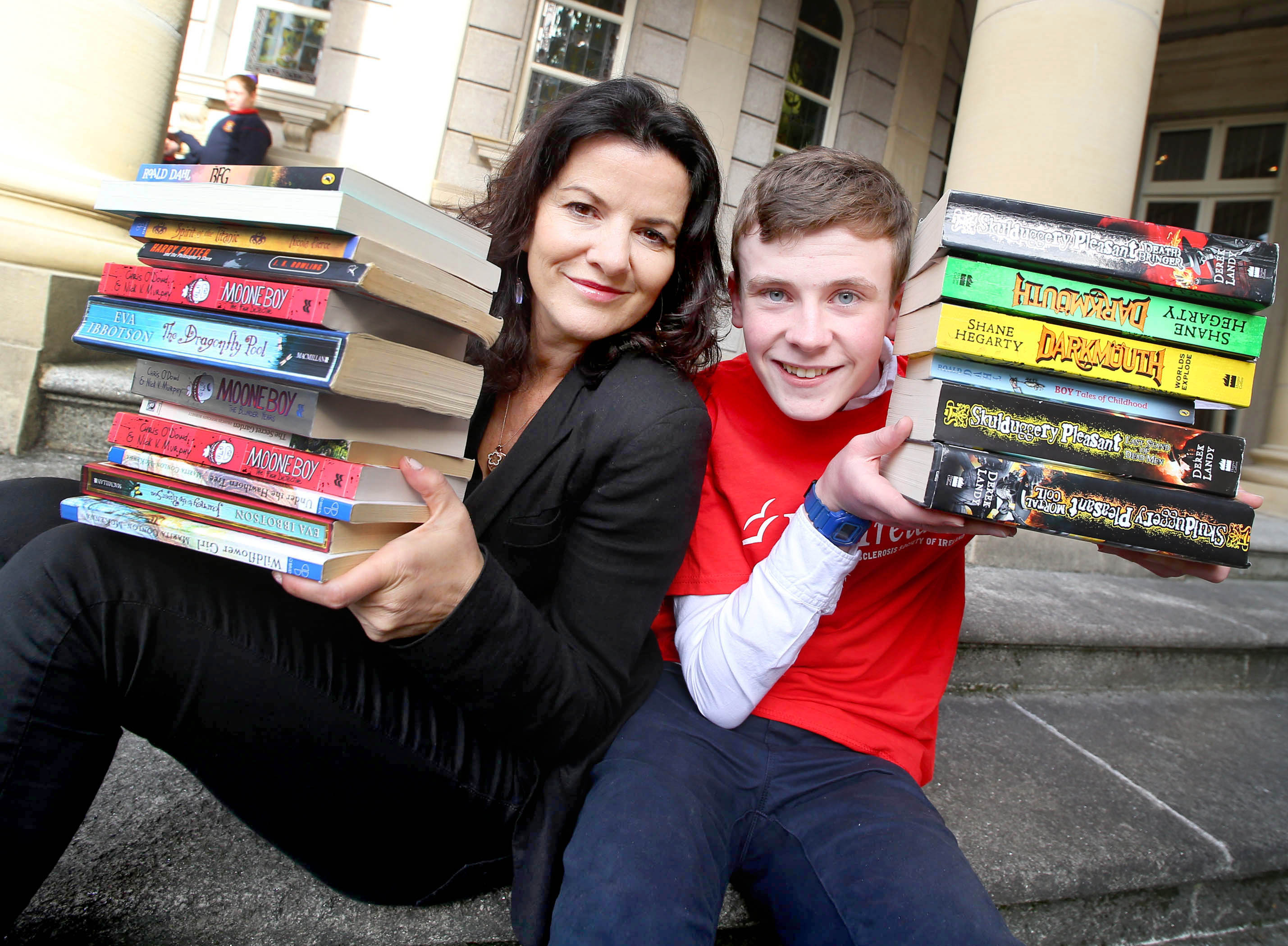 20/9/16 ***NO REPRO FEE*** Deirdre O'Kane and David Rawle launch the 29th MS Readathon with up to 15,000 young readers helping people with Multiple Sclerosis Ireland, Tuesday September 20th 2016. The 29th MS Readathon launched today with Deirdre O'Kane and Moone boy actor David Rawle, joining MS ambassador family Gerard Murphy, who is living with MS, and his 17-year-old daughter Lauren. Lauren invented a smart device that helps people with MS grip and hold objects, as a transition year student which put her in the running for $4m worth of prizes and scholarships competing with students from all over the world. Lauren took part in MS Readathon as a primary school student. Last year more than 15,000 children took part in the month-long sponsored reading campaign to raise funds for vital services for people with Multiple Sclerosis in their region. The reading month takes place from Friday October 7th to Monday November 7th 2016. Please visit www.msreadathon.ie for more information. Pic: Marc O'Sullivan